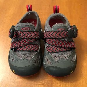 KEEN Komodo Dragon Red/Black/Gray Sz 8